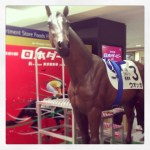 【お子様大喜び!】歴代ダービー馬に新宿で会える!乗れる!「新宿ダービーフェスティバル」とは?