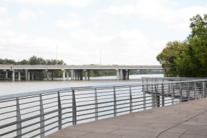 Towards IH-35 Bridge