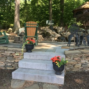 Custom Landscaping & Hardscapes