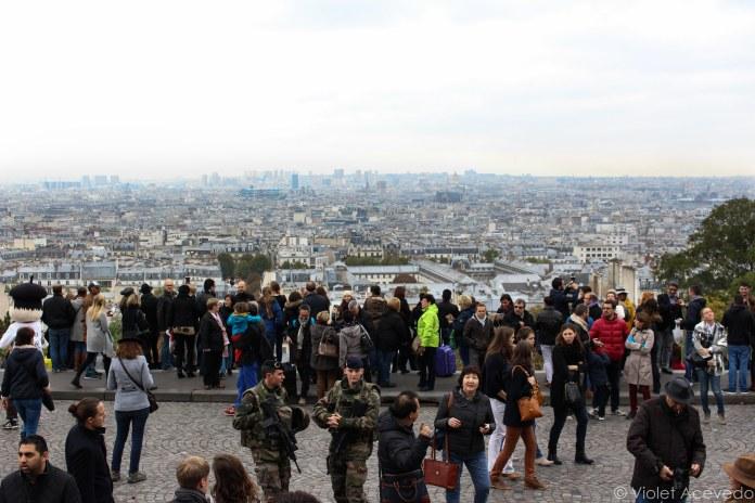 The view and crowds from Sacré-Cœur. © Violet Acevedo