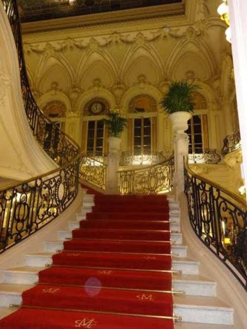 Zacapa Room   Un viaje sensorial al universo del ron Zacapa   Hasta 02-10-2014   Escaleras del Casino de Madrid