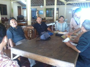 Diskusi dengan KMP