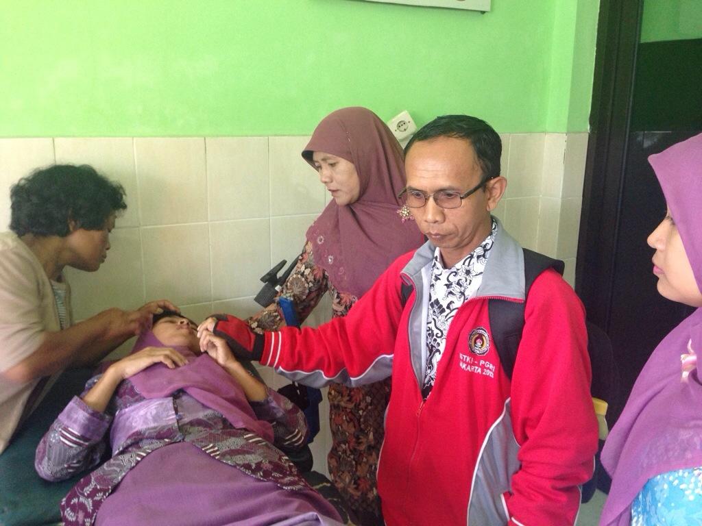Suparti mendapatkan perawatan pasca Kecelakaan