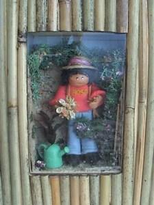 Escena jardinera en miniatura. ponlearte.com