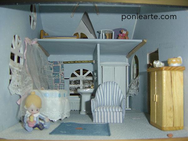 Casa de muñecas reciclada de la basura. ponlearte.com