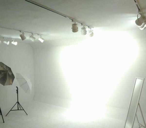 Rail Studio 自助攝影工作室