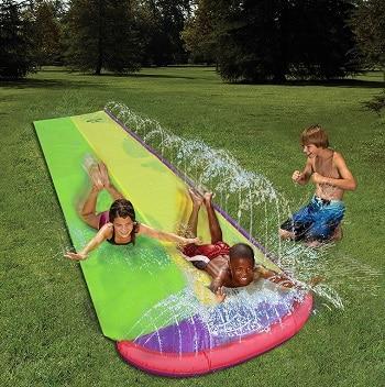 משפריץ מים לילדים