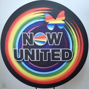 Suporte Redondo com Tecido Sublimado Now United