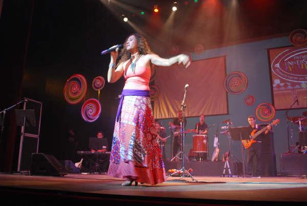 Lena Machado mostrará ao público parte do repertório de seu novo disco. Foto: Acervo Rádio Universidade FM. Divulgação