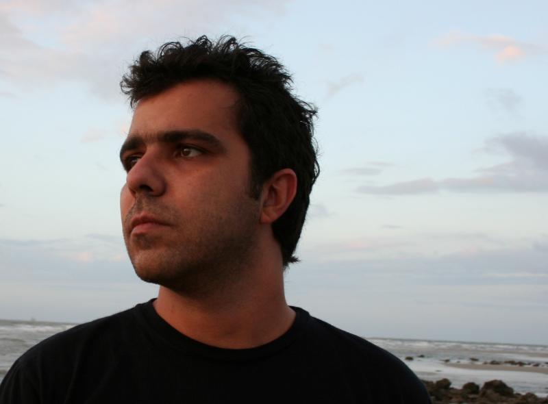 O cantor maranhense Cláudio Lima revisitará o repertório de seus discos e apresentará novidades no Clube do Choro Recebe