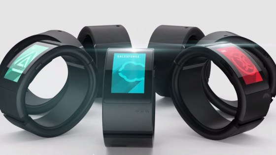 Will.I.Am-and-Zaha-Hadid-Puls-Smartwatch-pontemon-006
