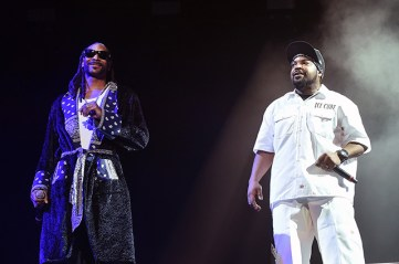 INDIO, CA - APRIL 16: Rappers Snoop Dogg and Ice Cube perform onstage during day 2 of the 2016 Coachella Valley Music & Arts Festival Weekend 1 at the Empire Polo Club on April 16, 2016 in Indio, California. (Photo by Kevin Winter/Getty Images for Coachella)