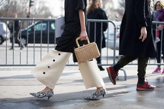 Street Style -Paris Fashion Week : Day Seven Womenswear Fall Winter 2016/2017