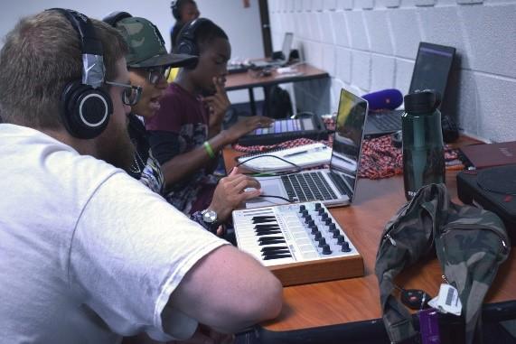 Beatmaking and DJing Workshops