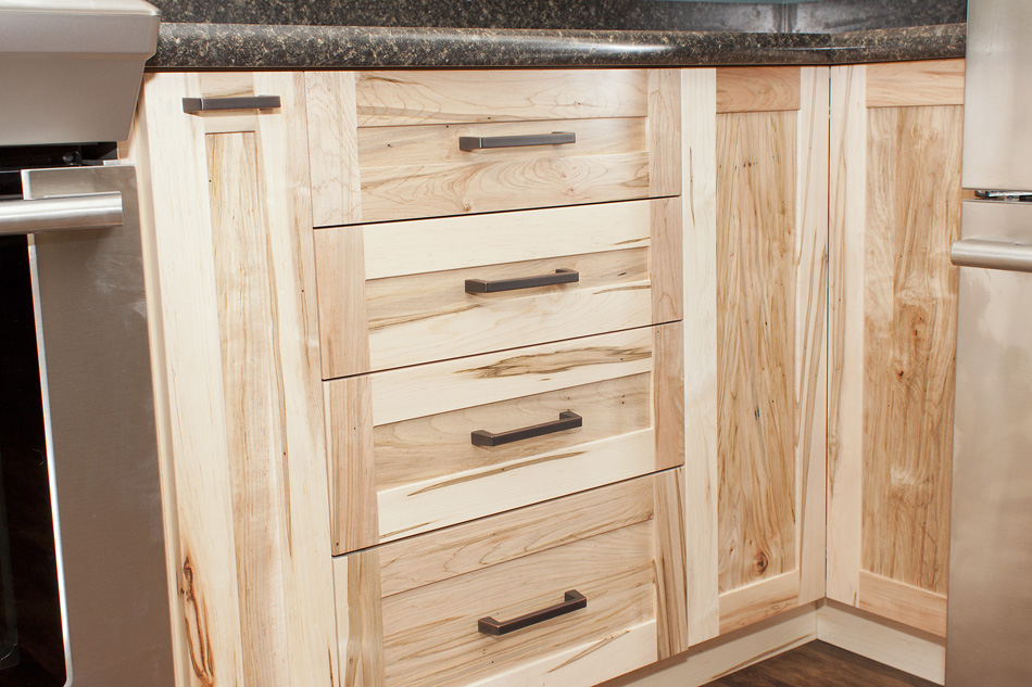 kitchen cabinets with drawers maple kitchen cabinetry 6468