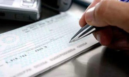 Banco sacado deve averiguar regularidade do endosso em cheque, sob pena de responder por defeito no serviço