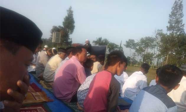 Sholat Idul Adha di Lapangan Wisata Girimulyo dan Pelaksanaan Qurban Masjid Baiturrahman Gadungan