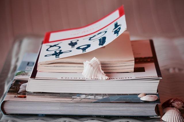 Foto pila de 3 libros recomendados