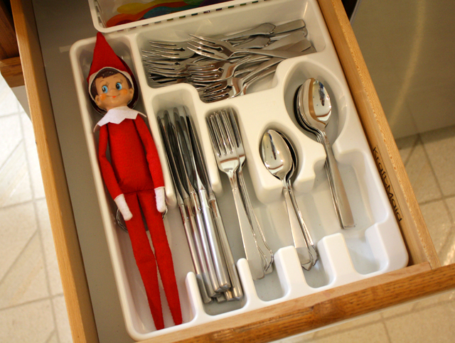 15 Elf on the Shelf Ideas for when your short on time. Quick Elf on the Shelf ideas.