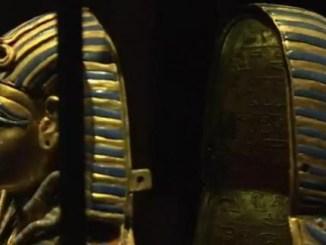 Statuettes du buste de Toutânkhamon, pharaon de la 18e dynastie égyptienne, au XIV siècle avant JC