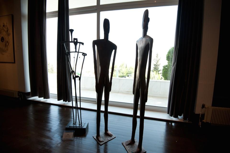 Γλυπτά του Takis στο Γεροβουνό