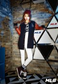 Suzy and Jia miss A MLB CF (3)