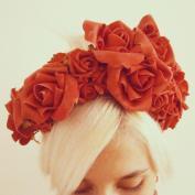 Headband · flores vermelhas e fita de veludo