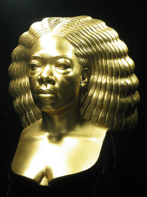https://i2.wp.com/popbytes.com/img/oprah-death-mask-1.jpg