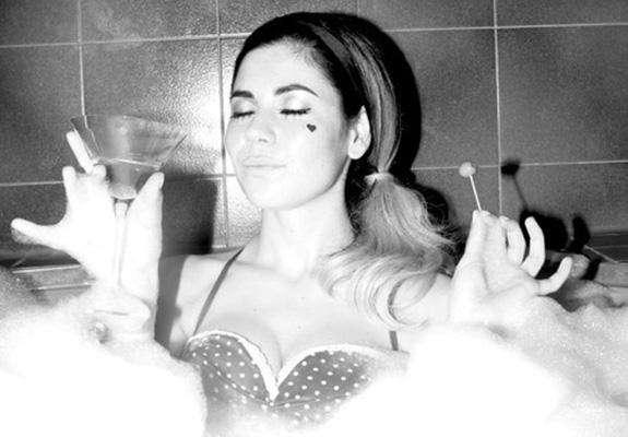 """Marina and the Diamonds """"E.V.O.L"""""""