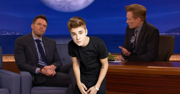 Joel McHale Slams Justin Bieber