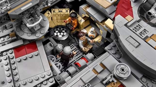 LEGO MilleniumFalcon 03
