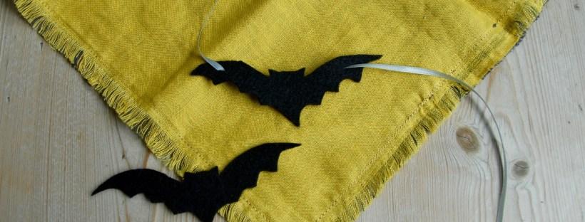 Halloween bat choker   Popcorn & Chocolate