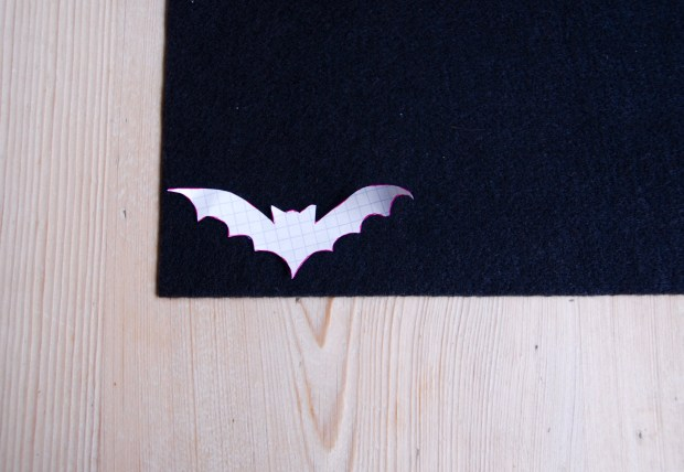 Halloween bat choker | Popcorn & Chocolate
