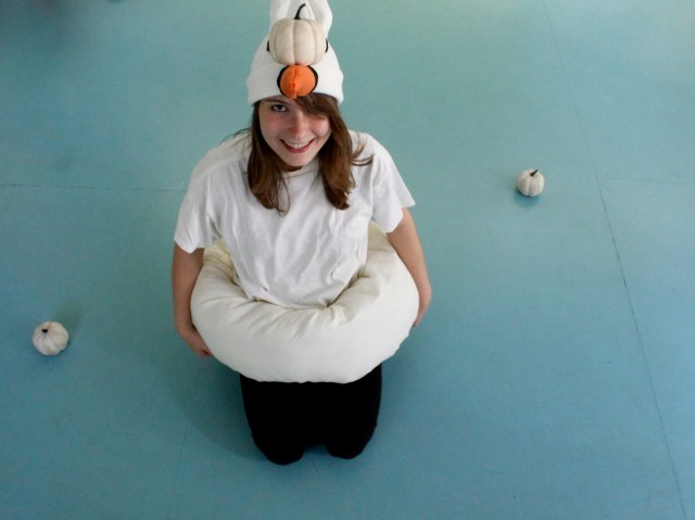 Swan pool float costume   Popcorn & Chocolate