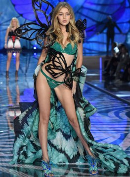 VS - 2015 - Exotic Butterlflies - Gigi Hadid