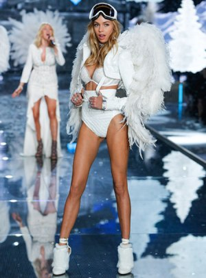 VS - 2015 - Ice Angels - Stella