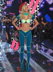 VS - 2015 - Pink Section - USA Angels - Devon Windsor