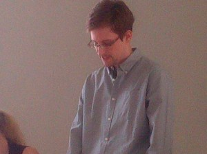 Former intelligence agency contractor Snowden speaks to human rights representatives in Moscow's Sheremetyevo airport