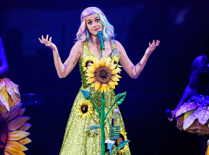 Prismatic-World-Tour-in-Shangai-katy-perry-38420292-540-400