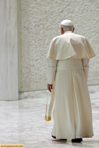 pope-benedict-xvi-leaves-at-the-end-of-his-weekly-general-audience-in-the-paul-vi-hall-at-the-vatican-wednesday-febuary-13,-2013-alessandra-tarantino