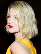 2014 Bob Haircuts - Blunt Medium Hairstyle with Blonde Hair