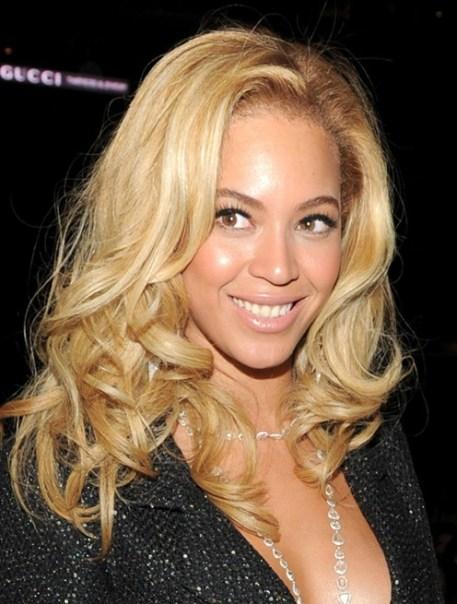Beyonce Knowles Hairstyles: Blonde Loose Wavy Hairstyle
