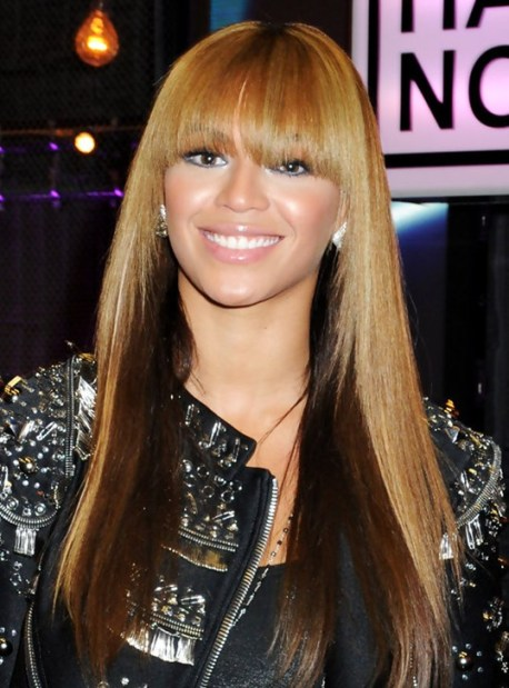 Beyonce Knowles Hairstyles: Long Straight Hairstyle with Blunt Bangs