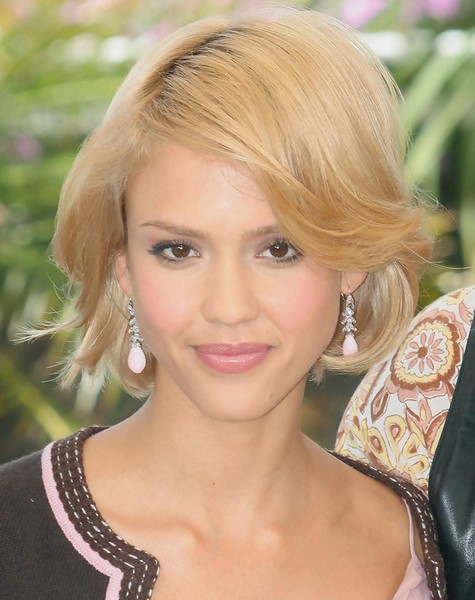Jessica Alba Short Hairstyles Blonde Bob Cut PoPular