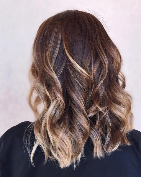 16 Trendiest Hairstyles For Medium Length Hair PoPular