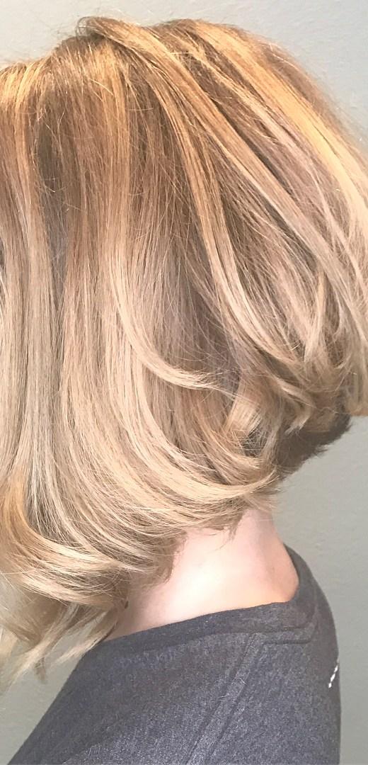 Beautiful Medium Bob Haircuts - Shoulder Length Hairstyle for Women