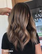 Medium Layered Hairstyle Designs - Women Shoulder Length Hair Cuts for Thick Hair