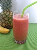 Pineapple-strawberry smoothie