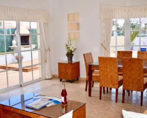 villa-rochelle-lounge