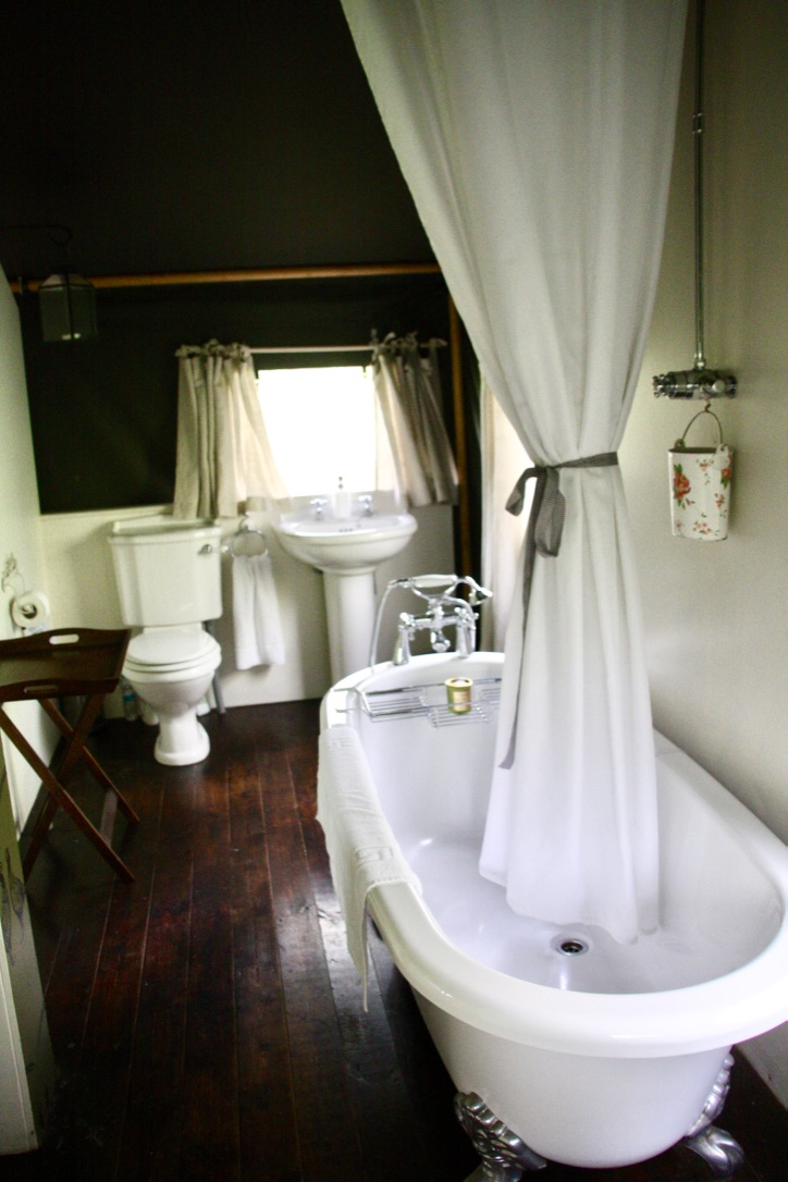 The bathroom in the safari tent at the Dandelion Hideaway